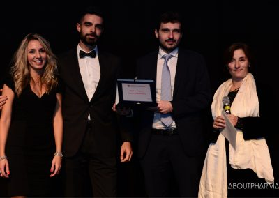 3 podio_ Patient empowerment_Il team di Abbvie riceve il premio per il progetto Magic Kids da Cristiana Montani Natalucci