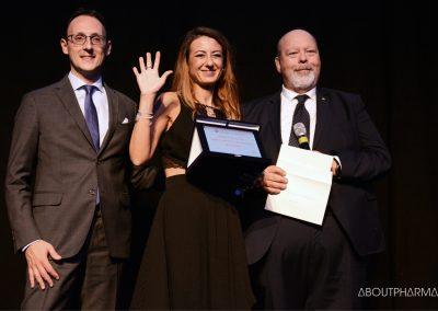 4 podio_ Aggiornamento e formazione dei medici_Chiesi viene premiata per il progetto Share2learn da Sergio Pillon